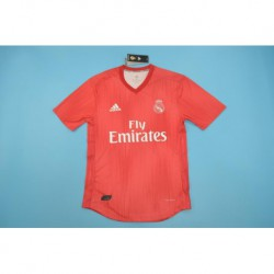 Real-Madrid-Red-Kit-2012-Real-Madrid-Red-Kit-2011-real-madrid-red-player-version-Size18-19