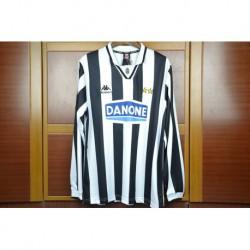 Size:94-95 juventus home jerseys long sleeves baggi